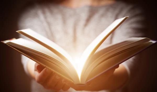 http://www.soudapromessa.com.br/wp-content/uploads/2017/03/biblia-2.jpg