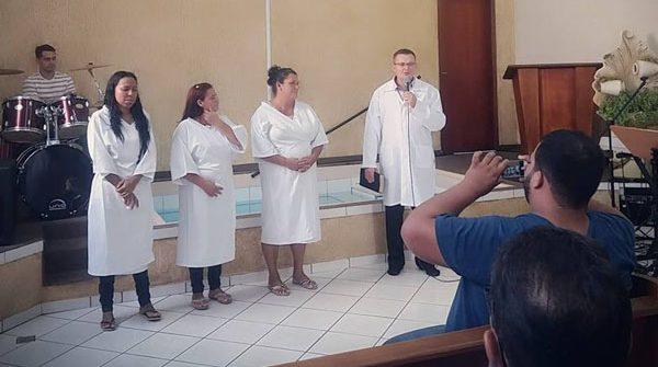 Batismo da igreja de Urânia