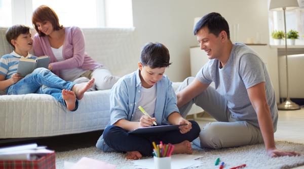 Atitudes dos pais afetam espiritualidade dos filhos, diz especialista