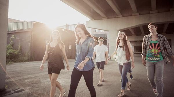 Adolescentes da geração Z e os desafios da igreja: mais cristãos nominais, ateus e LGBTs