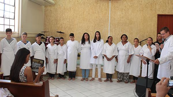 Batismo na igreja em Jales 2