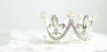 Levanta a cabeça princesa, senão a coroa caí